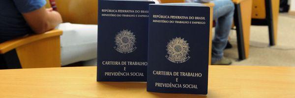 Bolsonaro defende que governadores e prefeitos paguem por encargos trabalhistas por dias de paralisação.