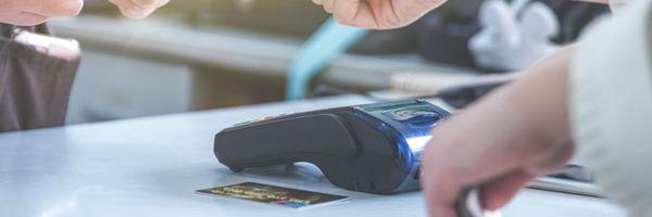 PagSeguro deve pagar danos materiais por não repassar valores de venda