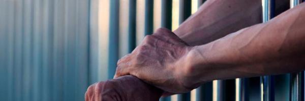 Projeto de lei condiciona pagamento de auxílio-reclusão ao trabalho remunerado do preso