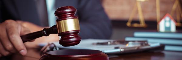 """Juiz critica pedido de dano moral e advogados que """"adoram inferninho"""""""
