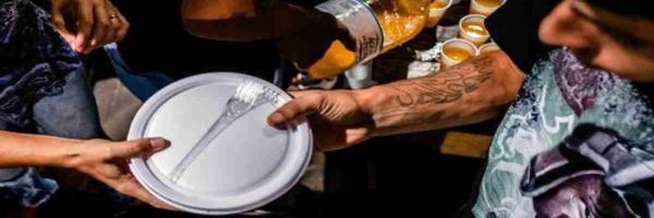 Prefeito Rafael Greca cria projeto de lei para multar quem distribuir comida a sem-teto sem autorização em Curitiba
