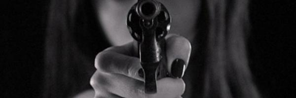Projeto de Lei autoriza porte de arma por mulher sob medida protetiva