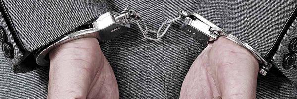 """A """"prisão em flagrante"""" do advogado por desacato"""