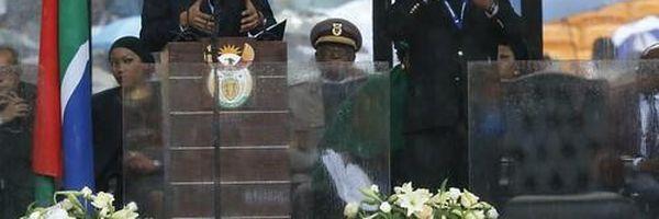 """Falso intérprete para surdos"" da cerimônia de Mandela se defende"