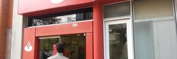 Cliente receberá R$ 2 mil por esperar uma hora na fila do banco Santander