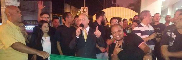 Estudantes de Suzano-SP vão às ruas em protesto e pedem impeachment de Dilma Rousseff