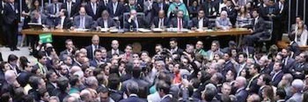 Câmara aprova continuidade do processo de impeachment de Dilma Rousseff