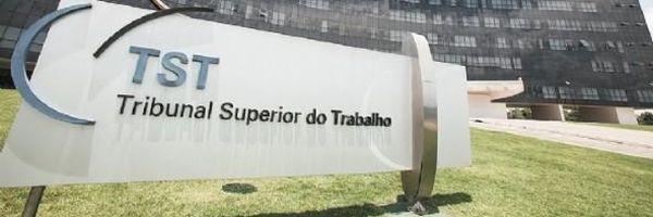 TST mantém reintegração de bancário que pediu demissão para pagar traficante