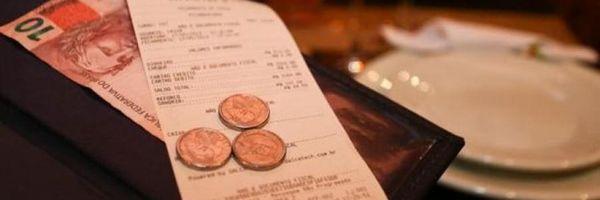 Temer sanciona lei sobre distribuição de gorjeta e da taxa de serviço