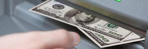 É legitima a cobrança de tarifa bancária em razão de saque de dinheiro?