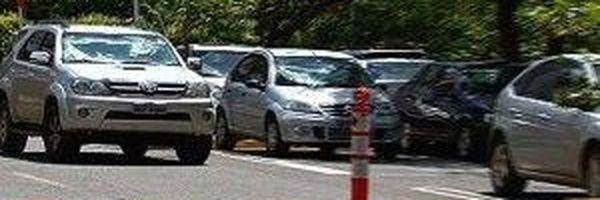 Flamboyant terá de indenizar consumidora que caiu em vala de estacionamento
