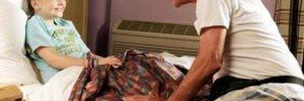 Justiça do DF decidiu que plano de saúde deve incluir neta sob guarda da avó como dependente da segurada