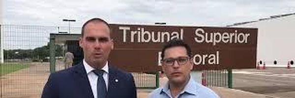 Juiz que planejava mandar recolher urnas gravou vídeo com filho de Bolsonaro
