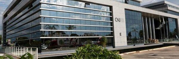 CNJ aplica pena de aposentadoria compulsória a juiz do CE por desvio funcional