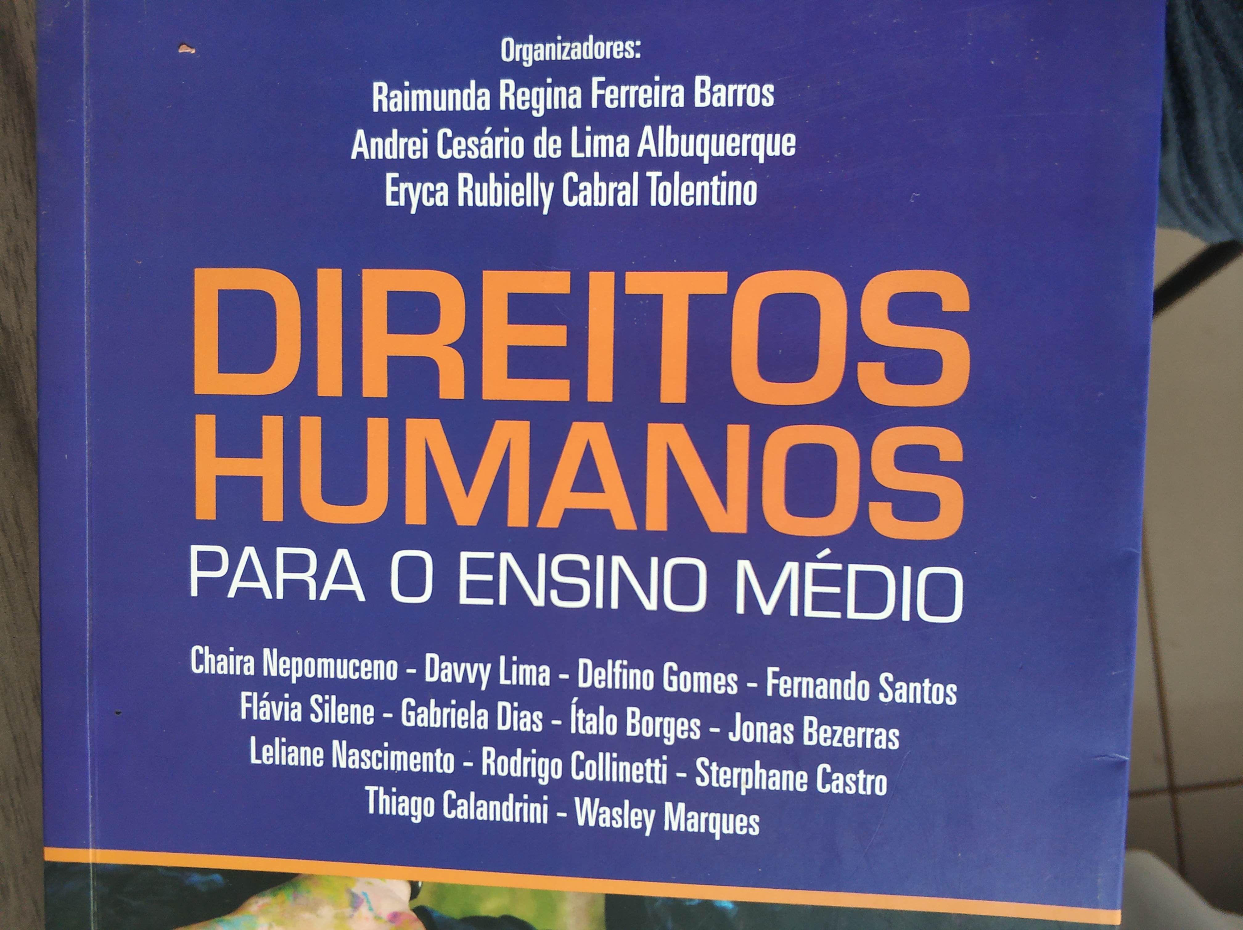 Direitos Humanos para o Ensino Médio