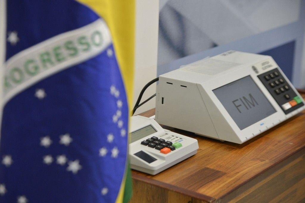 Voto no Brasil democracia ou obrigatoriedade
