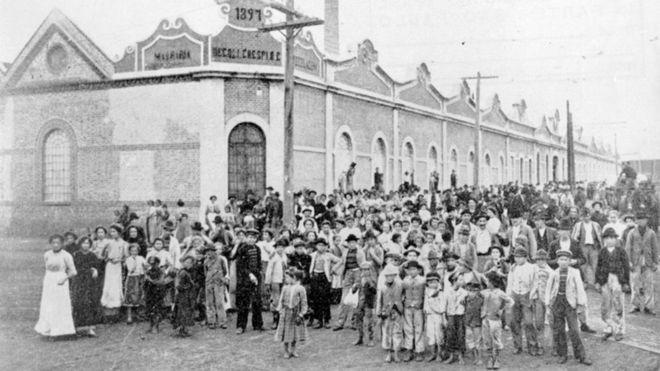 1 greve geral do pas h 100 anos foi iniciada por mulheres e durou 30 dias
