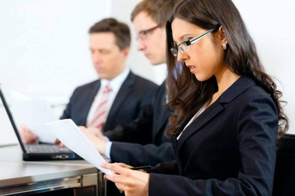 Parfrase advogar se aprende advogando