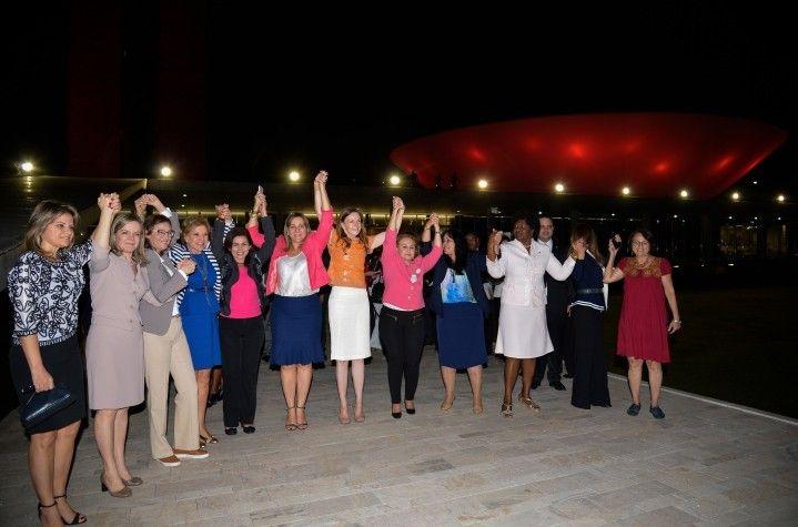 Campanha Outubro Rosa lembra a importncia da preveno ao cncer de mama