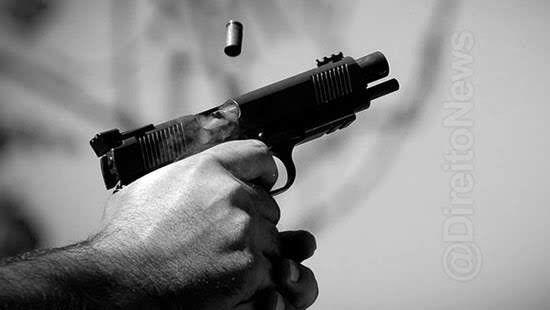 advogado preso atirar 16 casa direito
