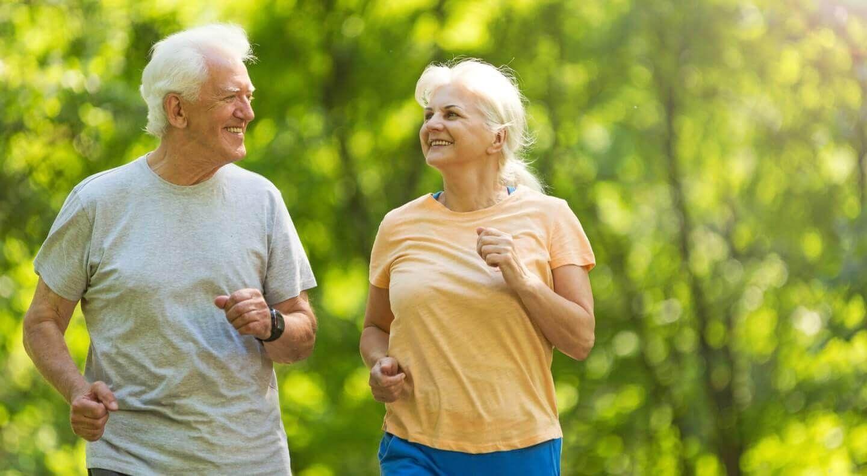 Benefcios da corrida para idosos existe idade certa para correr - Smart  Fit NewsSmart Fit News
