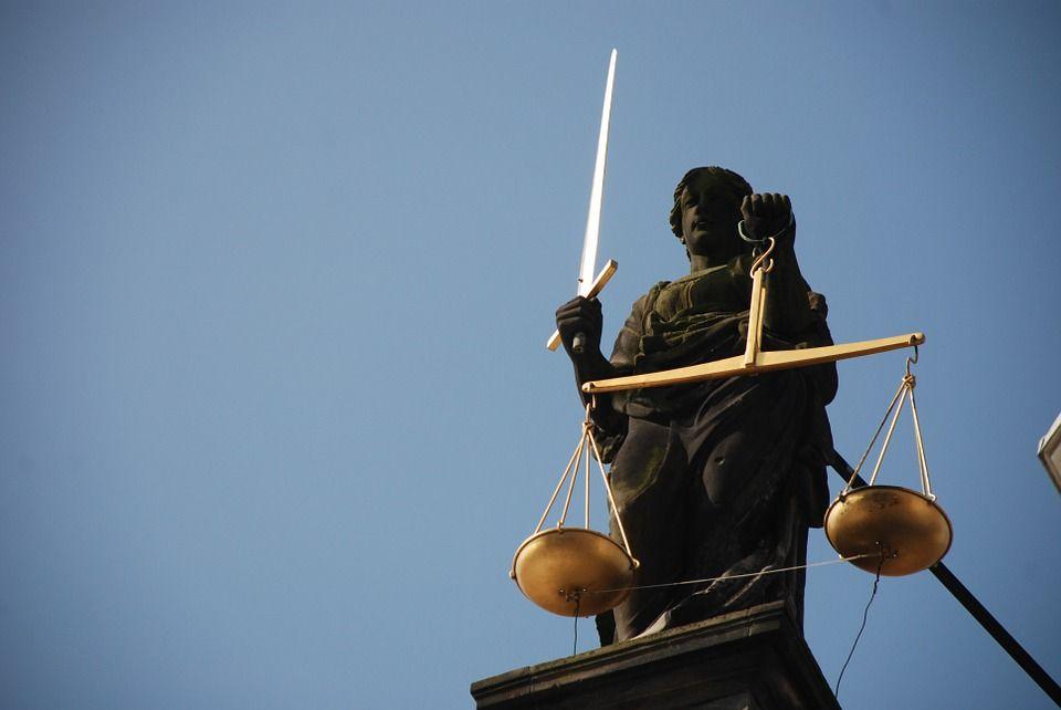 Senhora Justia Jurisprudncia Direito Escala