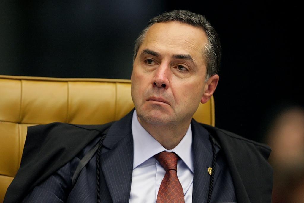 STF evitou genocdio ao barrar medidas do governo diz Barroso Congresso em Foco