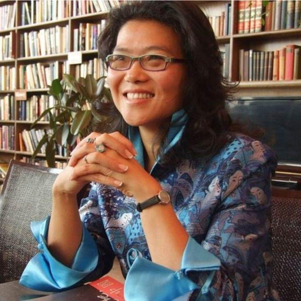 Para a escritora Lijia Zhang casamentos que continuarem aps o coronavrus devem ficar mais forte Foto DivulgaoBBC