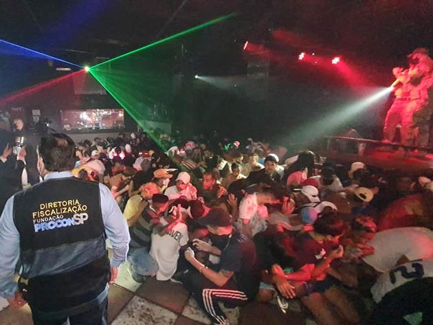 Polcia prende organizador de festa clandestina para 500 pessoas na zona sul de So Paulo Band