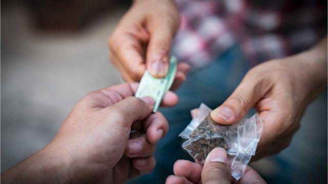 PIB 2019 Por que o trfico de drogas entra no clculo do indicador europeu e como essa conta poderia inflar o indicador brasileiro - BBC News Brasil