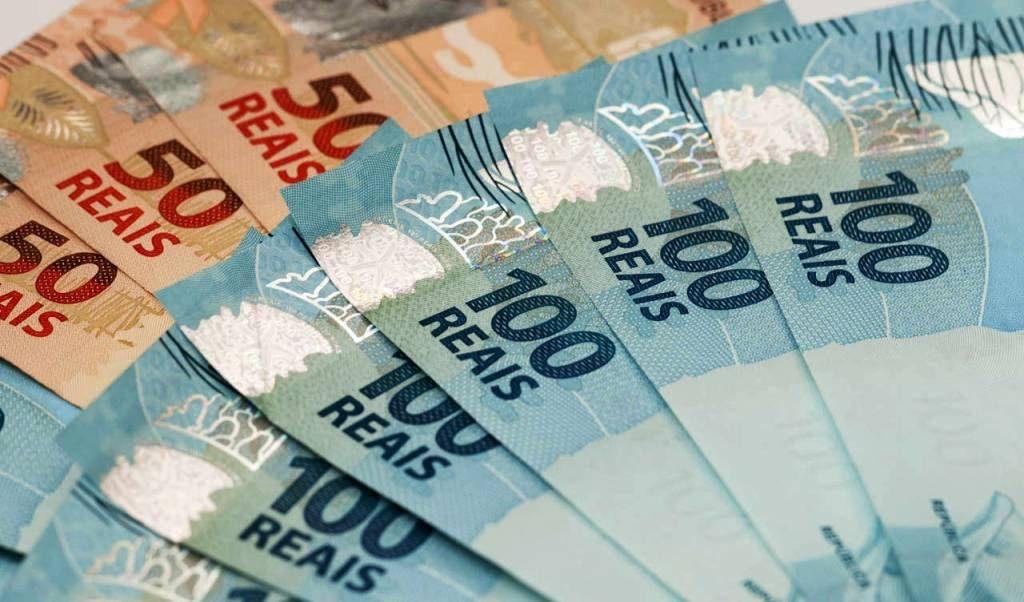 Uso de dinheiro no comrcio cai mas ainda responde por 52 dos pagamentos VEJA
