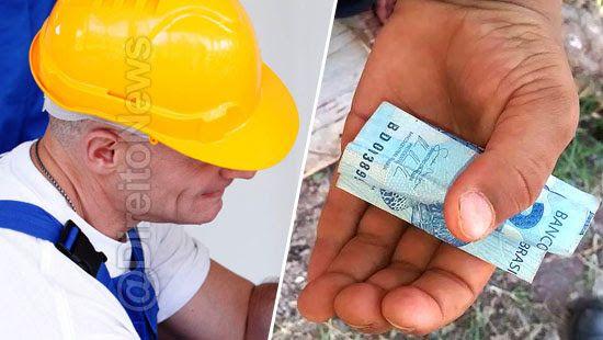 menino devolve emociona eletricista pagamento direito