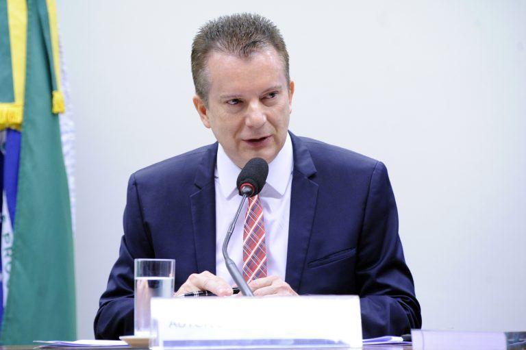 Audincia Pblica - Tema Medida que proibiu a Fox de oferecer programao linear diretamente Dep Celso Russomanno REPUBLICANOS - SP