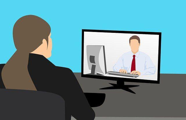 Videoconferncia entre duas pessoas