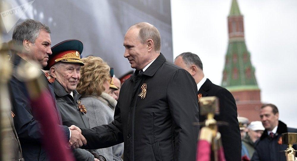 Putin No esqueceremos que liberdade da Europa e paz foram conquistas dos nossos pais