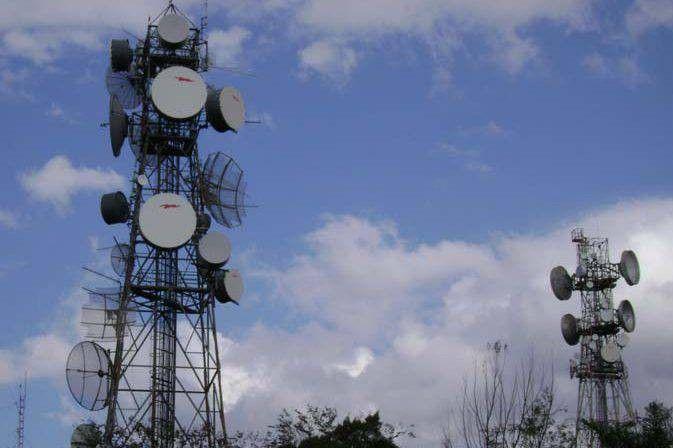 STF desobriga operadoras de bloquear celulares em presdios