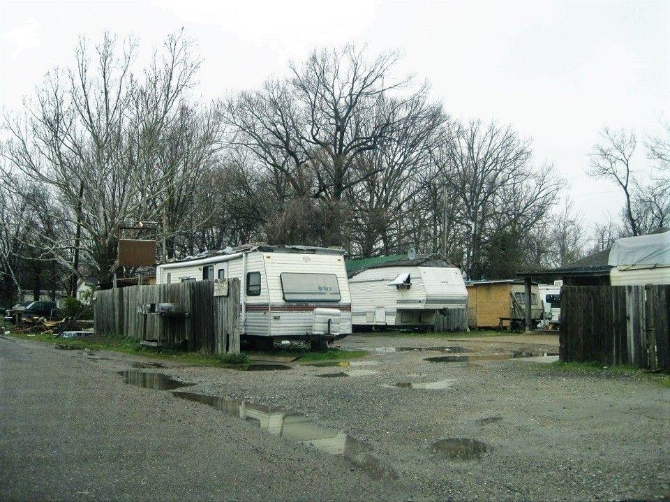 A vida em um trailer sem dinheiro para casa prpria moradia sobre duas rodas vira opo para mais pobres nos EUA