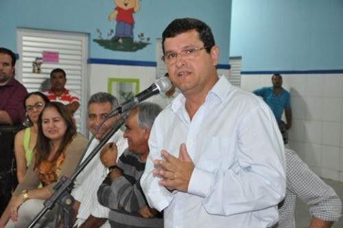 PREFEITO DE GUANAMBI INICIA GESTO COMETENDO CRIME DE PRECONCEITO