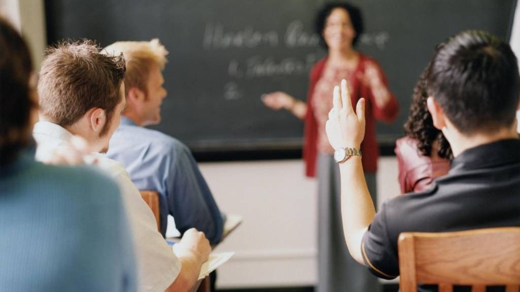 Tribunal autoriza renovao de matrcula de beneficirio do FIES em dbito com faculdade