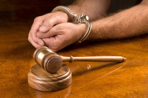 A luta pelos direitos humanos e a criminalizao do advogado criminal
